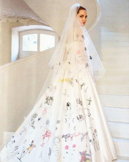 angelina-jolie-wedding-gown-Atelier-Versace-kids-drawings-brangelina